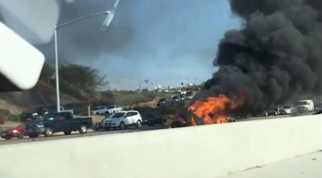 Sorrento Valley Ca August  People Are Dead And 1 Left In Serious Condition Following A Fiery Wrong Way Collision On The 805 Freeway Near